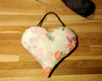 Decoration Vintage heart to hang / Romantic / Flowery pink pattern / for Valentine's Day