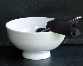 Bowl of soup, salad, pasta, salad bowl. Soup. Ceramic bowl. Hollow container 1 liter.