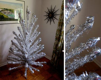 6' - Atomic Aluminum Christmas Tree - Evergleam - 90 branches