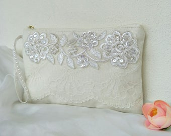 bridal clutch-Ivory Linen/Elegant Bridal bag /lace wedding purse/for her/ Bridesmaids gift/bridal clutch