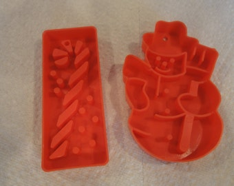 Two 1978 Plastic Christmas cookie Cutters