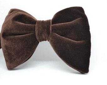 1970s inspired bow tie, Men's bow tie, Chocolate Brown Velvet bow tie, Gift for men, Wedding, Black bow tie, Drop bow tie