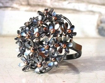 Flowers ring - Silver and Gold ring with flowers - Black flowers ring with gold balls