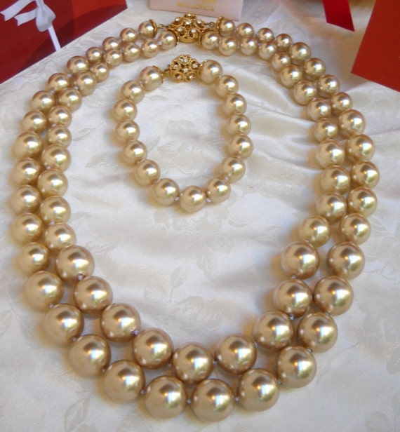 Mallorca Pearl Necklace: Majorca/Mallorca Pearl Necklace Double Graduated Strands