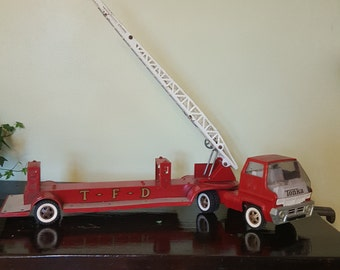 TONKA TFD truck with a sliding ladder - vintage Metal toys