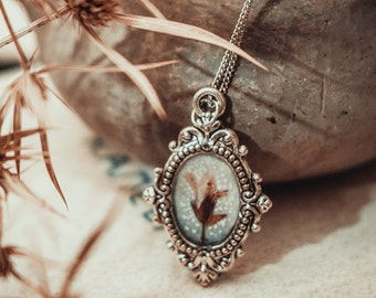 "Pendant in vintage style ""Mirrors in Winter"" with these flowers / vintage pendant / Flowers necklace / Silver necklace"