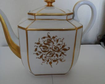 A 19thc French or Belgian coffe set