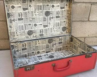 "Vintage Red Large 25"" Suitcase Luggage Rustic Wedding Prop Adorable"
