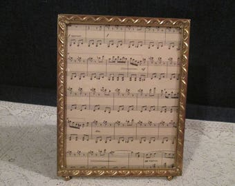 Vintage Wedding Photo Frame Footed Picture Frame Gold Metal Picture Frame 8 x 10...Art Decor Style Picture Frame...77
