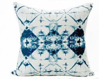 Blue Shibori pillow cover - Indigo and White pillow - Tie Dye pillow - Boho Pillow - Shibori style pillow - Decorative pillow
