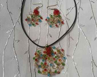 Ожирелье и серNecklace and earrings with crystals. Handmade.