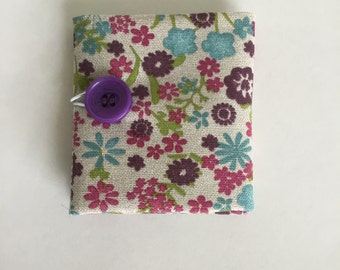 Teabag Wallet in Floral Fabric