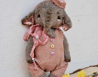 Artist Teddy Elephant