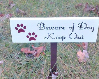 Beware of Dog, Dog Decor, Animal Sign, Keep Out, Outdoor Sign, Wooden Sign, Wood Sign, Pet Signs, Pet Decor, Warning Sign, Private Property