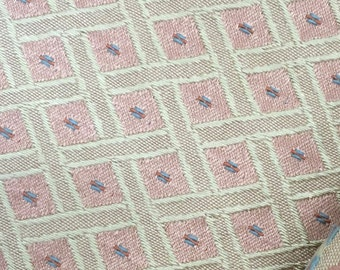 Jacquard furnishing fabric Diamonds Rose
