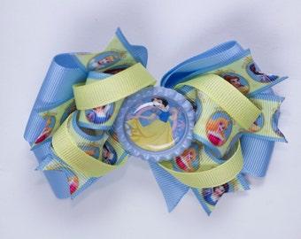 Snow White Disney Princess hair bow,  Snow white character printed grosgrain ribbon, girls hair bow, Kids hair bow, Blue hair bow