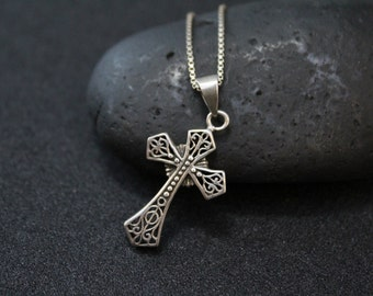 Vintage Sterling Silver Filigree Cross Pendant on 18 inch Sterling Silver Box Chain