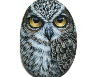 Miniature Great Horned Owl, Acrylic Painting on a small Sea Pebble,  Original stone art, owl painted stone