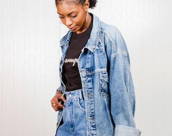 Wrangler trucker denim jacket / Vintage destroyed Wrangler jacket / Ladies denim jacket / Men's trucker jacket / Oversized jacket / Size XXL