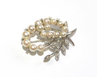 Pearl/Diamond Leaf Brooch in 14K White Gold