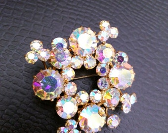 Triad Vintage brooch - Aurora borealis - Specks of Gold - Signed