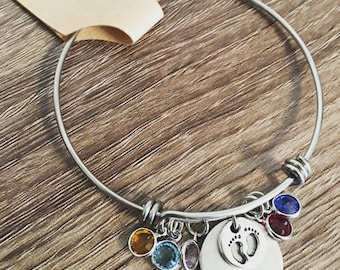 Birthstone bracelet / baby footprint / new grandma gift / pregnancy announcement / Oma / For mom / Christmas gift for grandma birth stones