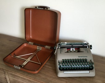 Vintage Typewriter; Smith Corona Silent Super Typewriter; Working Portable Typewriter; Smith Corona Typewriter; Typewriter With Case