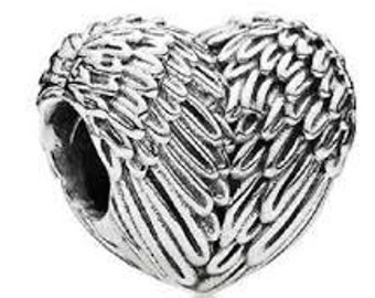 Pandora Sterling Silver Angelic Feathers Charm Bead  #791751 Comes in Pandora Pouch