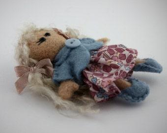 Pocket dolls, Small dolls, Waldorf Toy, Cute Felt, Dollhouse miniatures, Felted Doll, Magnet, Cloth dolls, Dollhouse, Collectible dolls