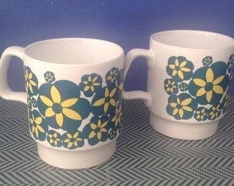 Mugs, mugs, cups, retro Vintage Royal Alma.