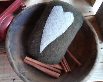 Prim bowl filler w/heart