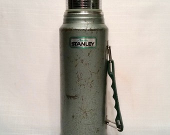 Stanley Aladdin Steel Vintage Thermos One Quart Insulated, Cup and 2 Piece Stopper, Plastic Handle, Model A-944DH, Green Industrial Thermos
