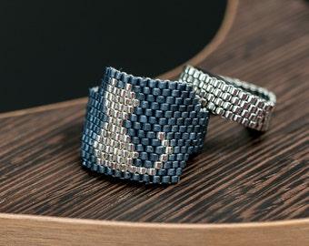 Ring cat and footprint