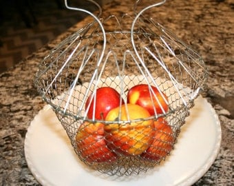 Wire Egg Basket//Wire Fruit Or Vegetable Basket//Farmhouse Basket//