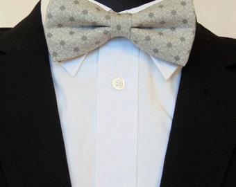 Grey Bow Tie, Grey Bowtie, Mens Bow Tie, Mens Bowtie, Gray Bow Tie, Gray Bowtie, Wedding, Pron, Bride, Fathers Day, Birthday, Gift, For