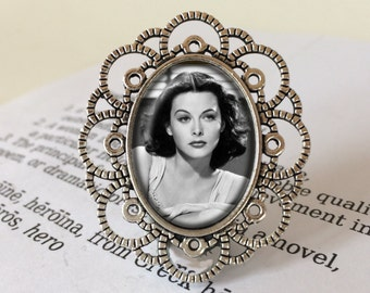 Hedy Lamarr Brooch - Hedy Lamarr Jewelry, Vintage Scientist Brooch, Feminist Gift, Science Jewelry, Inventor Brooch, Hollywood Jewellery