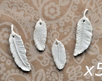 20 Feather gift tags, handmade clay feathers, white feather tags, feather clay tags, vegan feathers, feather ornaments, large pack feathers