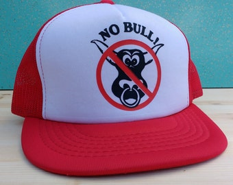 "Vintage ""No Bull!"" red and white cheesegrater mesh snapback cap"