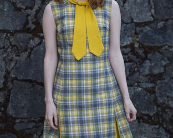 1960s Dress / Preppy Plaid Dress / Mustard Yellow Grey & White Wool Dress / Mod Twiggy Scooter Dress / Tie Collar / Vintage 60s