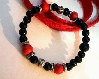 Onyx and stones bracelet