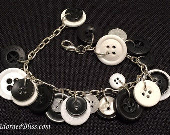 Black & White Button Bracelet/Women's Fashion/Button Bracelet/Black/White/Jewelry/Mothers Day/Gifts for Her/Buttons/Bracelet/Seamstress