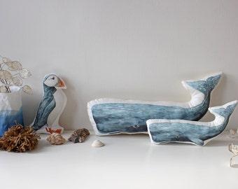 Coussin de baleine, baleine peluche doudou, poisson bleu, jouet en peluche, à colorier, cadeau pour bébé, garçon ou fille, shower de bébé, décoration chambre d'enfant, la faune