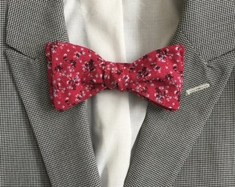 Cute Bow Tie, Self-Tie, Adjustable, Red Floral Pattern, Flowers, Micropattern, Men's Bow Tie