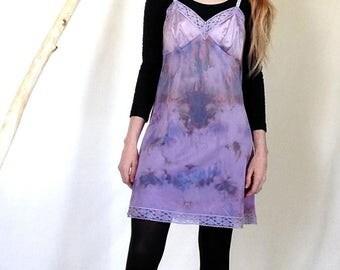 Hand Dyed Vintage Slip, Size Medium / 36, Purple Dyed Slip, Dyed Slip, Hand Dyed, Ice Dyed, Lavender Dyed, Upcycled Clothing, Layering Dress