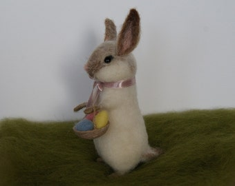 Easter bunny, Needle felt bunny, Needle felt rabbit, Bunny with a basket, Needle felt animal, Needle felt miniature, Easter decor