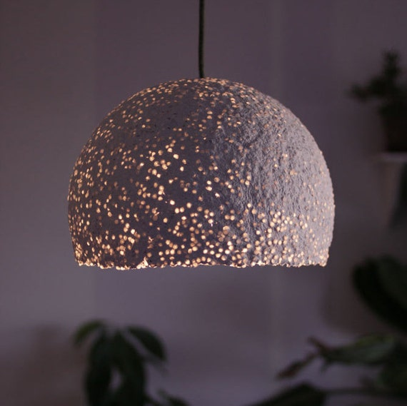 suspension papier m ch avec des perles perles translucides. Black Bedroom Furniture Sets. Home Design Ideas