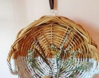 wall hanging nature basket  white/natural wicker