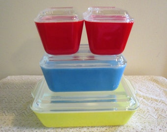 Pyrex Primary Colors Vintage Refrigerator Set, 4 pieces with lids, Pyrex 501, Pyrex 502, Pyrex 503