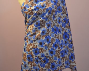 """1950s dress making fabric, blue and brown floral. 1.5M (60"""") x 142 CM (56"""")"""