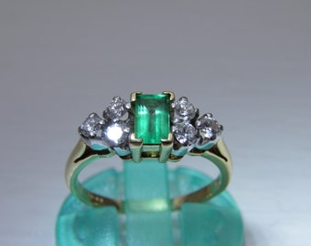Emerald and Diamond 18ct Ring